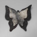 """Broche feutré en alpaga naturel : papillon 4"""""""