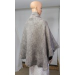 Châle léger en alpaga et soie : couleur gris argent naturel