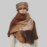 Châle triangle / cape / grand foulard pour femme - alpaga naturel feutré - tons brun chaud