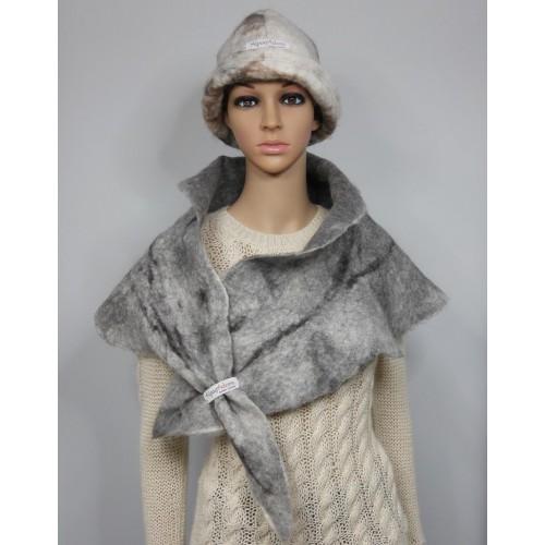 fe7baf21cba Châle couvre épaules   foulard triangulaire   100% alpaga naturel   gris  argent marbré