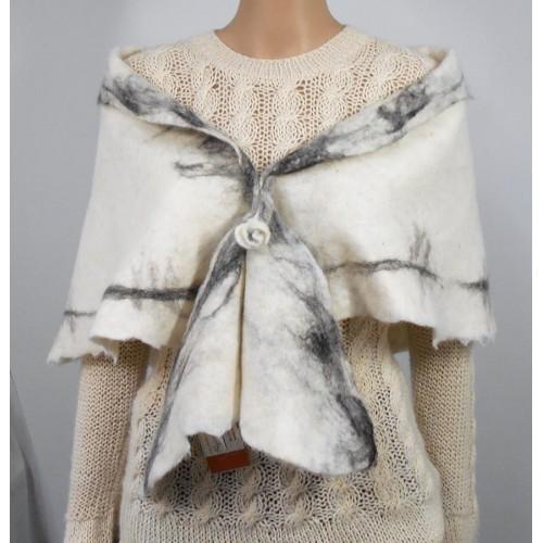 Châle / foulard triangulaire : 100% alpaga naturel : blanc marbré noir