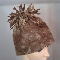 Alpaca hat with pompom : 100% natural felted alpaca