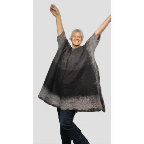 Châle kimono pour femme - noir charbon et gris  - 100% alpaga naturel feutré