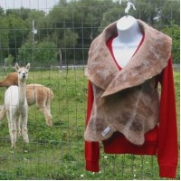 Vest 100% natural alpaca - fawn and brown